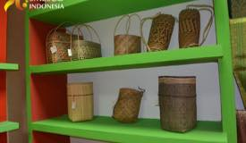../images/gallery/souvenir/banana-wicker-craft.jpg